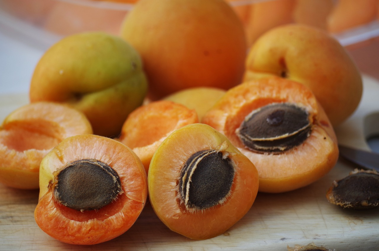 Natural Ingredients - Apricots